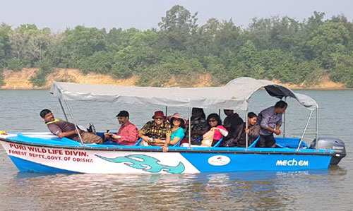 Boating in river at Nuanai Nature Camp