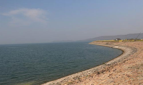 bank of Hirakud Dam